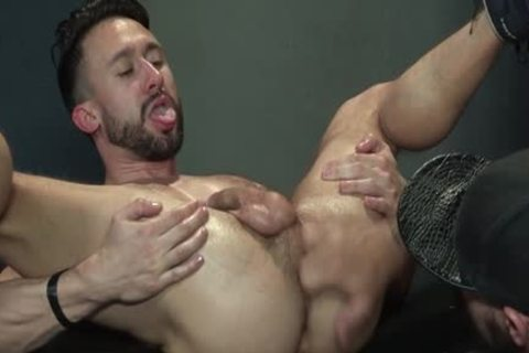 Muscle Bear Foursome And ejaculation