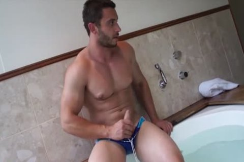 Muscle Jack In The fine Tub With James Nowak